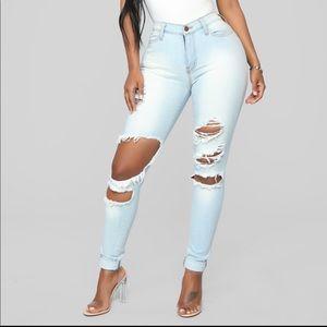 Fashion Nova - Beach Bum Jeans (Light Wash)